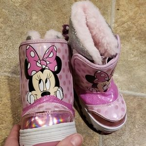 Minnie mouse light up snow boots